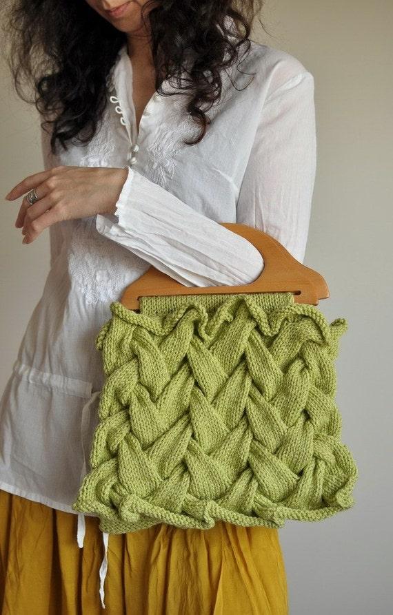 15% OFF - Первый День Весны - OOAK handknit дизайнер сумочку / кошелек в сельдерее зеленый