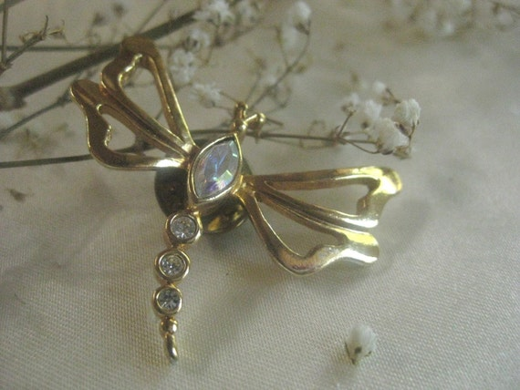 Vintage Brooch  Avon  Dragonfly Gold Tone with Crystal  Free Shipping
