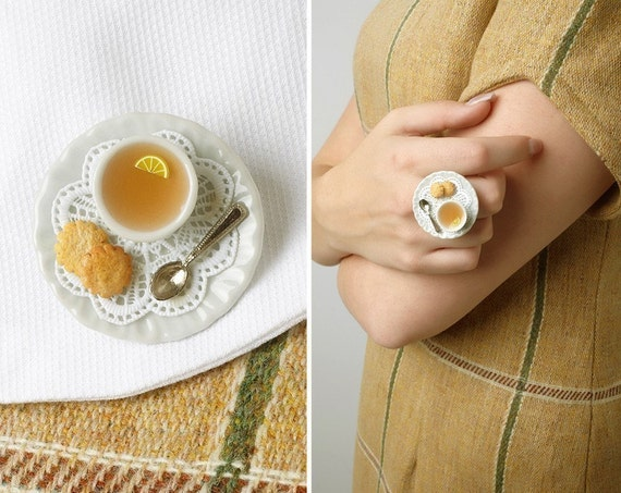 "Tea Cup Statement Ring With Shabby Lace Doily and Cookies ""Léonie"", Miniature Food Jewelry - made to order"