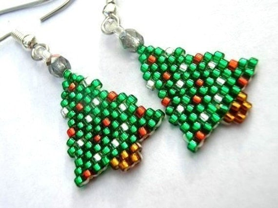 Little Christmas Tree Seed Beaded Dangle Earrings