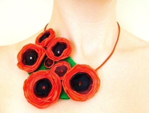Poppy Patch - Textile Necklace