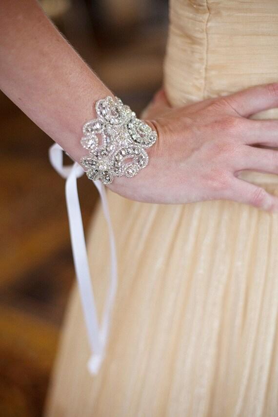 فساتين زفاف فرنسية بالصور روعة il_570xN.207927437.j