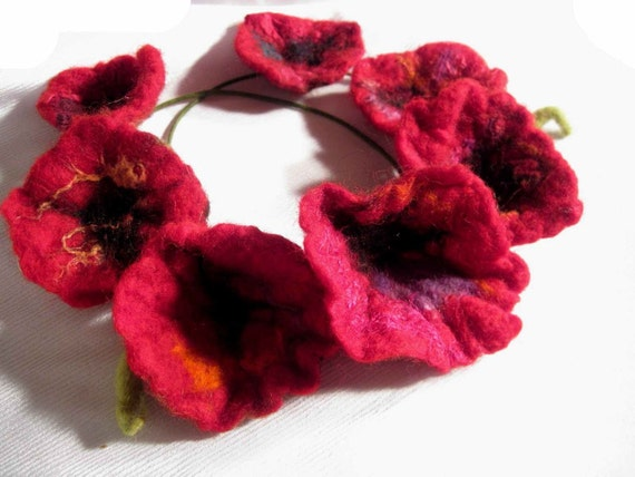 Poppies Hand Felted Necklace, Felt Necklace, Red Poppy
