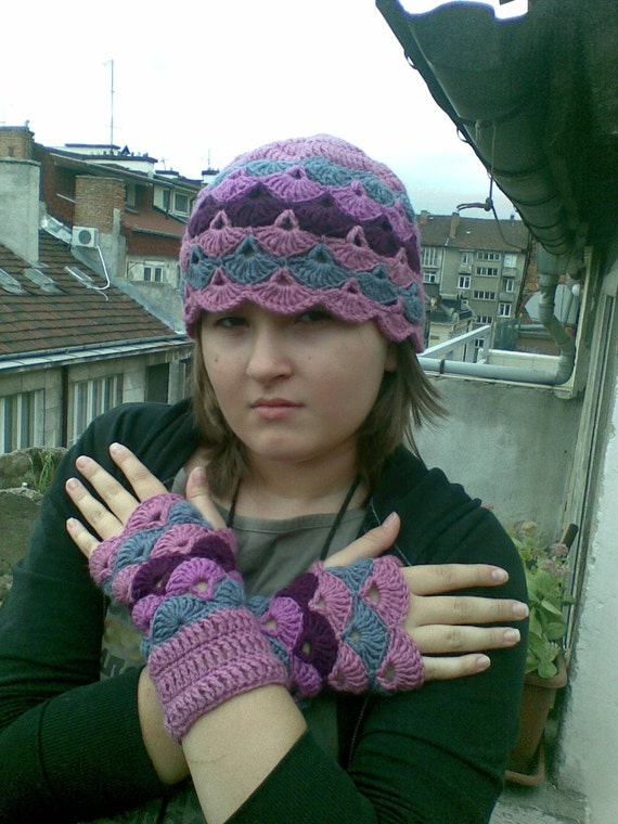 Crochet Hat and Wrist Warmers / Fingerless Mittens Set Hand Knit Gloves Wool Autumn Fall Winter Cold Woman Girls Cozy by dodofit on Etsy