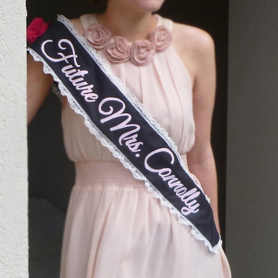 Bachelorette Sash - Future Mrs. (pink & black)