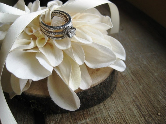 Ring Pillow- Natural Wood With Ivory Flower