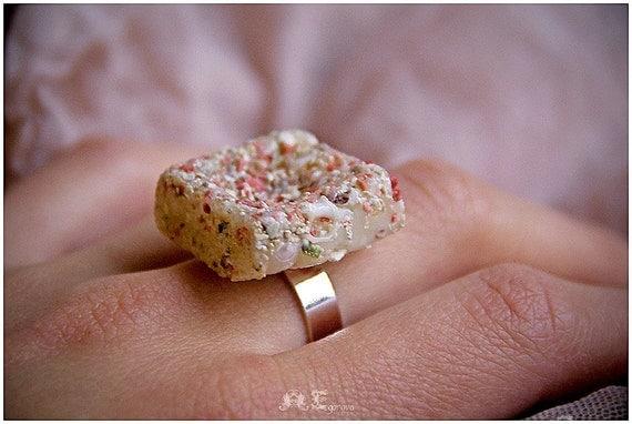 Площадь кольца песка