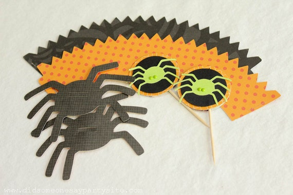 Handmade Halloween Spider Cupcake Wrappers, Cupcake Toppers and Straw Toppers