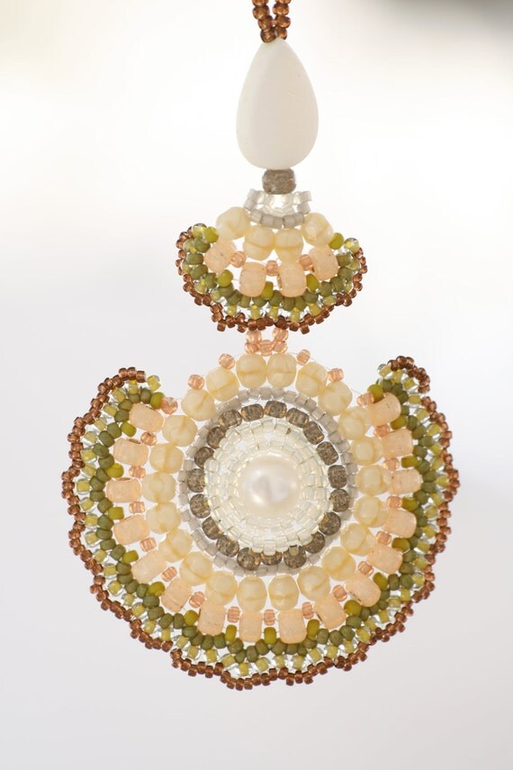 Big pendant - peach & green