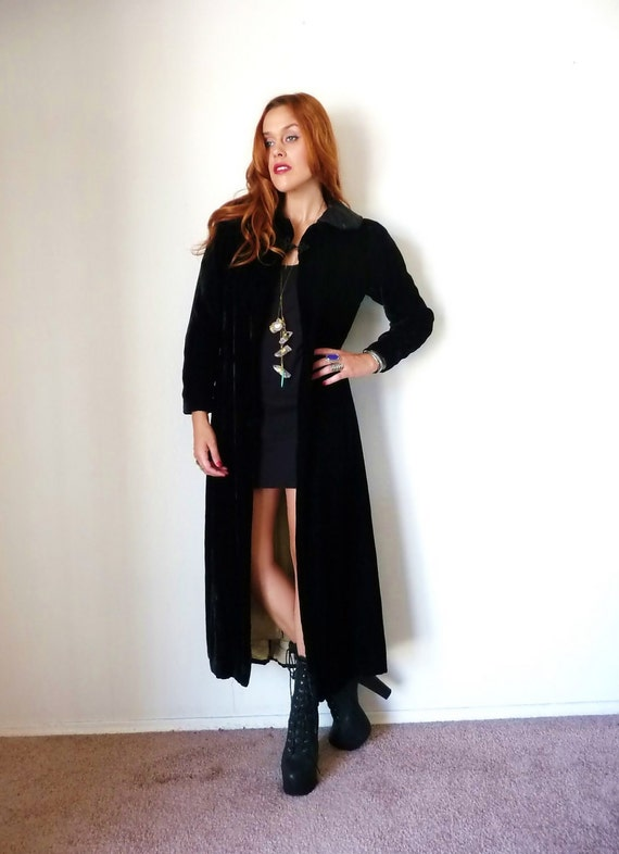 Vintage Black VICTORIAN VELVET Full Length Duster Coat M
