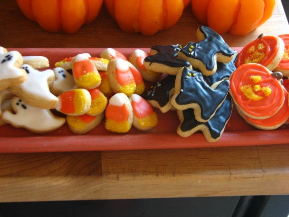 halloween sweets for kids, halloween sweets, halloween party treats, cute halloween treats, trick or treat treats, halloween menu, desserts for halloween, halloween dessert, halloween party foods, halloween sweet treats