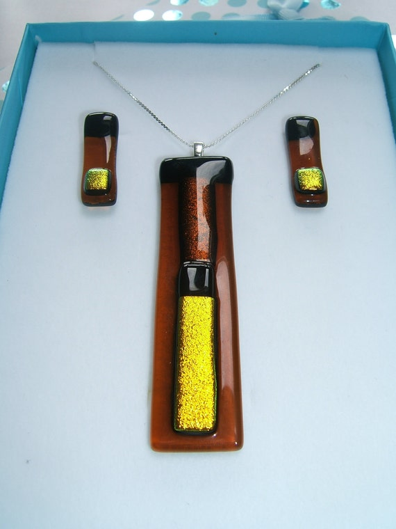 Amber and Gold Pendant & Earring Set
