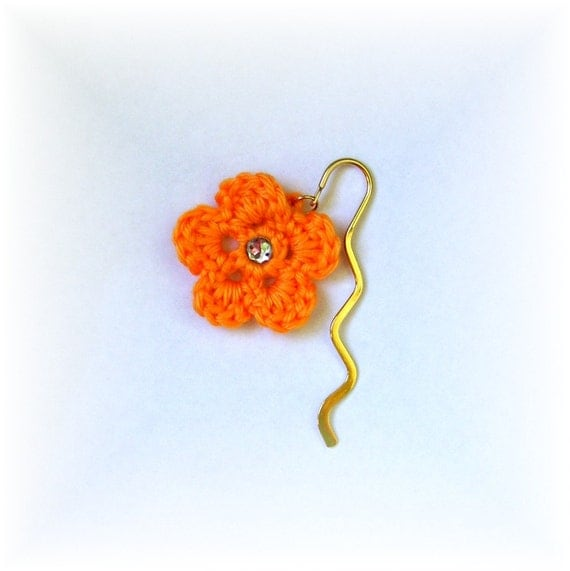 Bookmark Gold Mini Squiggle Crocheted Mango Flower