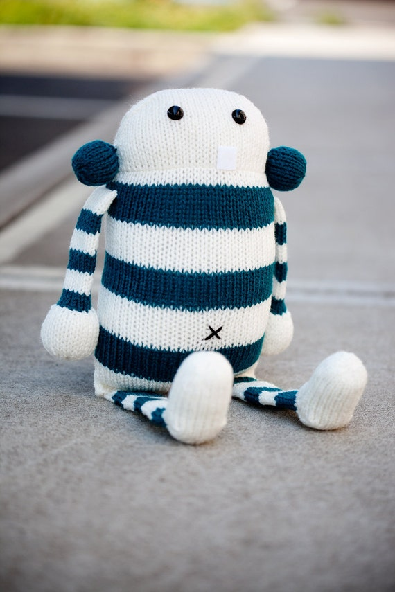 Cecil: Amigurumi Stuffed Animal Plush Monster Toy