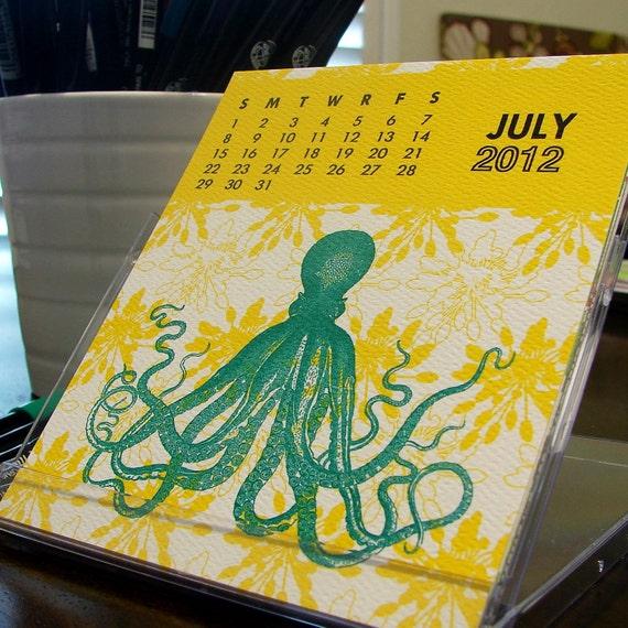 2012 pixelimpress desktop calendar