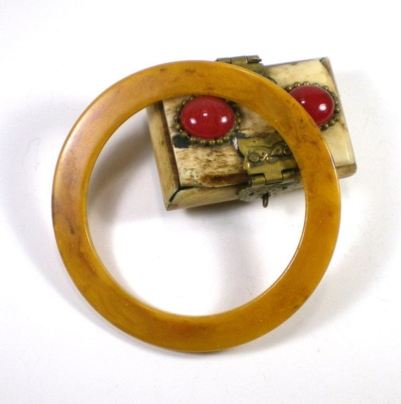 Vintage Bakelite Mustard And Brown Marble Flat Bangle by paleorama from etsy.com