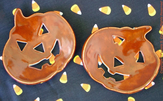 Smiling Jack o Lanterns Halloween Decor Bowls set of 2