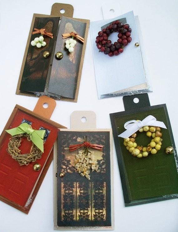 Рождественский подарок Теги - Зимний венки Крошечные Теги двери Рождественский подарок - миниатюрный Реалистичная Открывающиеся двери Снежный путь Подарочный набор тегов 5 -