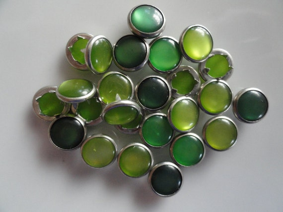 25 Assorted Greens Pearl Snap 4 Part Prong Size 16