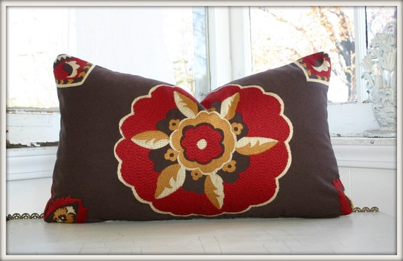 Embroidered Suzani lumbar pillow cover / 12x20 /
