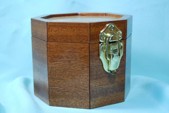 Trinket  Jewelry Box, Handmade Wood, Mahogany - Quilted Maple, OctagonTBOX-109
