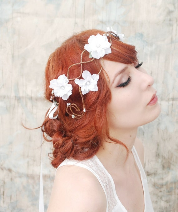 Smoke and mirrors - a floral flapper crown - in WHITE