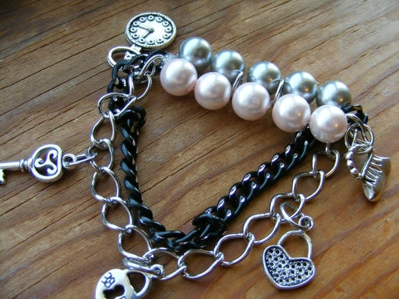 Bracelet Charming Stretch Chain and Pearls