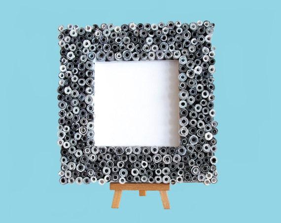 Черно-белый Восстановленный Frame журналы - площади кадра, сделанные из переработанных журналы