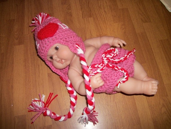 6-12 Month Valentine Hat and Diaper Cover Set - Photo Prop - I Heart You