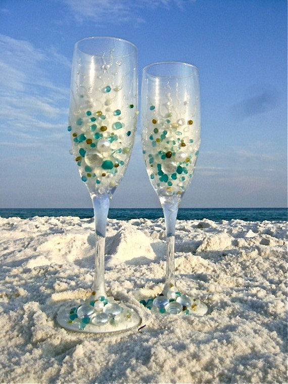 Beach wedding toasting flutes Hand decorated Wedding Champagne Glasses in
