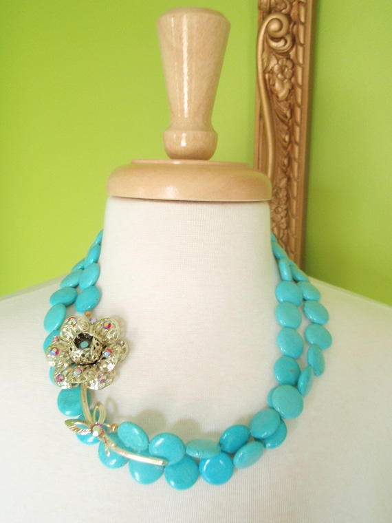 ROSE - Double Strand Turquoise Necklace with Gold Vintage Brooch