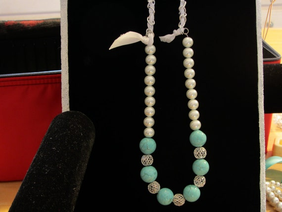 Turquoise and Glass Pearls Chain and Ribbon Necklace