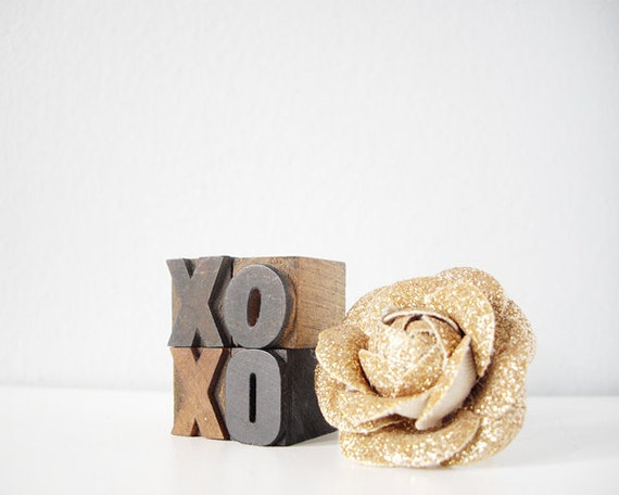 XOXO hugs kisses wood blocks romantic vintage xo hug kiss letterpress type home decor for Valentines Day