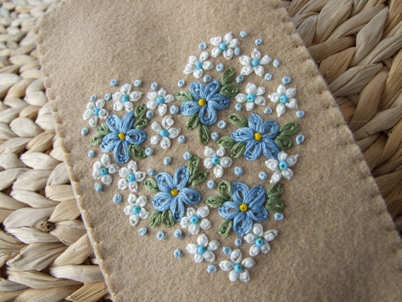 Hand Embroidered  Felt Glasses Case with Daisies and Forget Me Nots