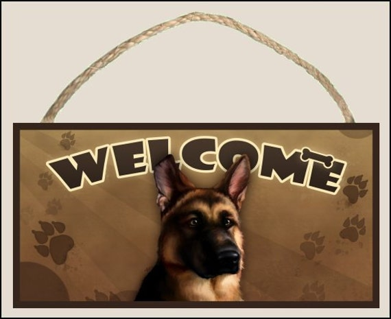 "German Shepherd 10"" x 5"" Wooden Welcome Sign"