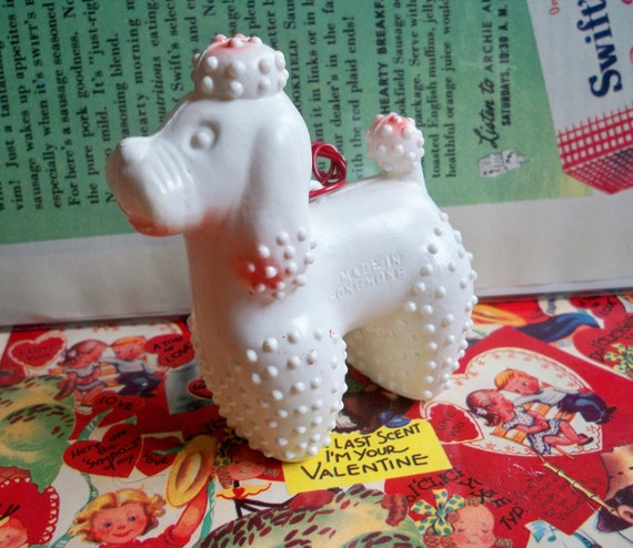Plastic Poodle Carnival Prize Toy -White