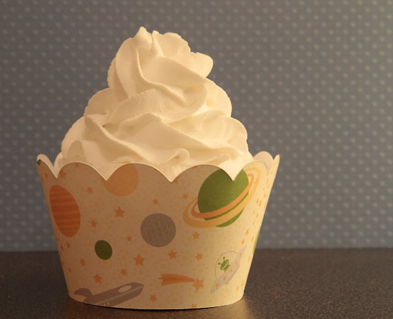 12 Alien Cupcake Wrappers