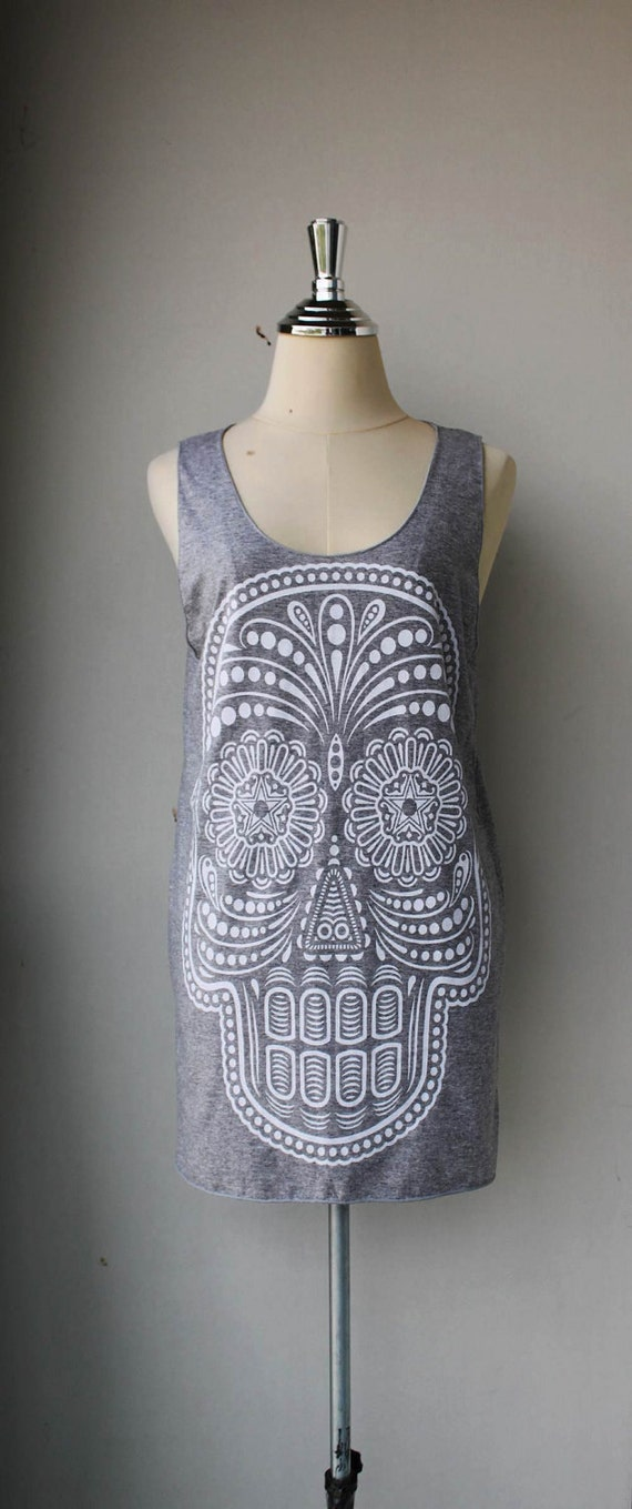 White Ancient Art Skull Print on Gray Long Tank Top Shirt  women  M L