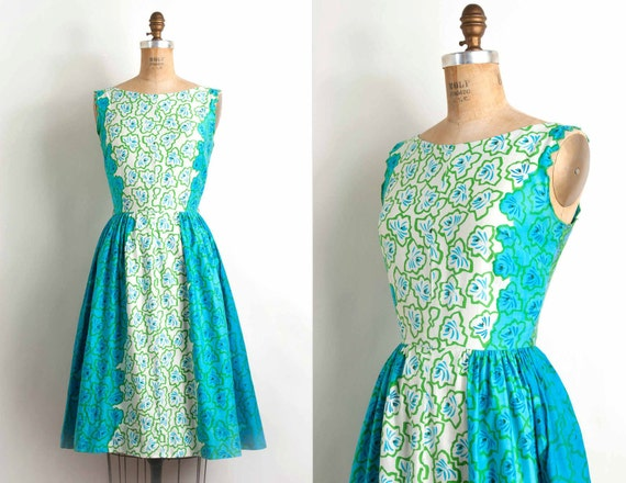 vintage 1950s dress / 50s graphic floral print cotton sundress (small)