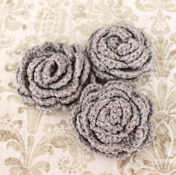 3 pcs Light Gray Crochet Flower Appliques with Silver Glitter Thread - 3D Ruffled Rose for Brooch