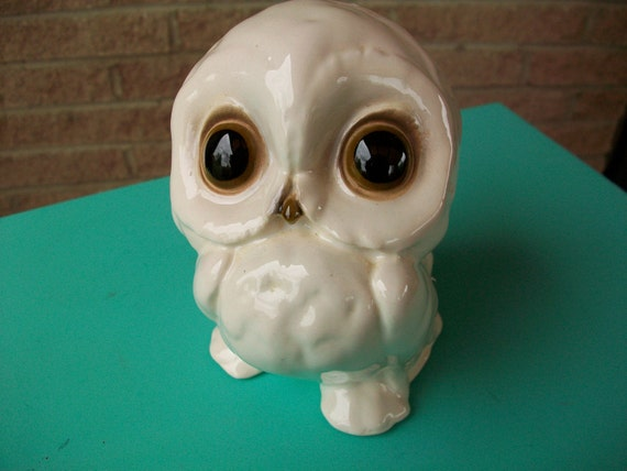 SPRING CLEAN SALE--Super Sweet White Snow Owl - Ceramic Figurine - Knick Knack - Home Decor - Paperweight