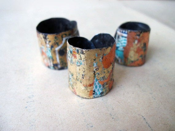 Pinchbeck. Recycled Tin Gold Bling Paper Decoupage Adjustable Ring Set.