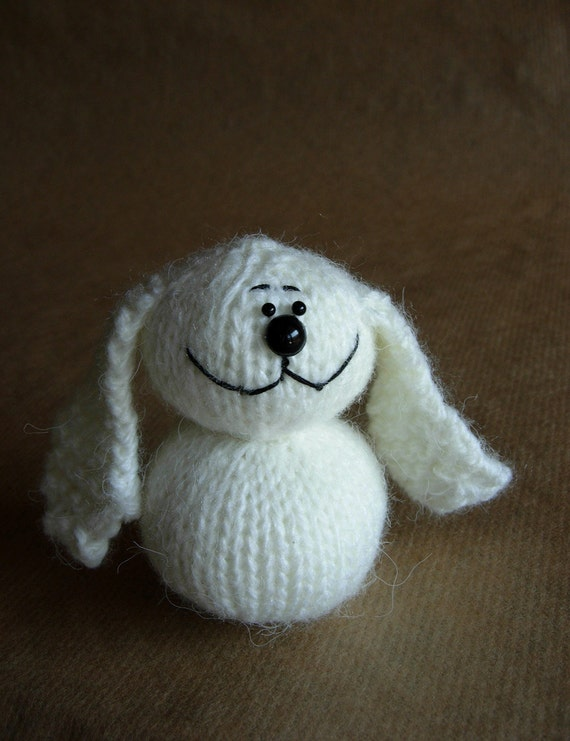 Small Easter Bunny easy knitting pattern SALE (knitted round)