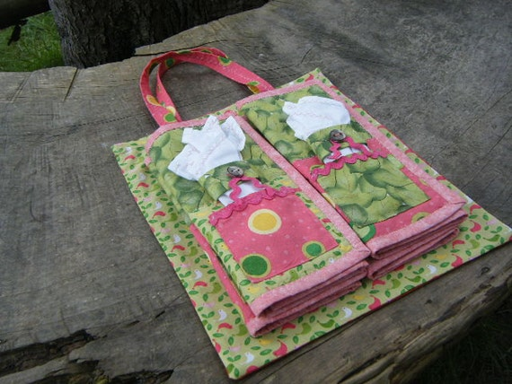 Picnic set: 4 each table mats, napkin and napkin rings in a handy carry bag, spring colours