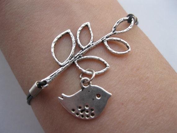 Trend Clothing Women: Girls' Beautiful Silver Bracelets