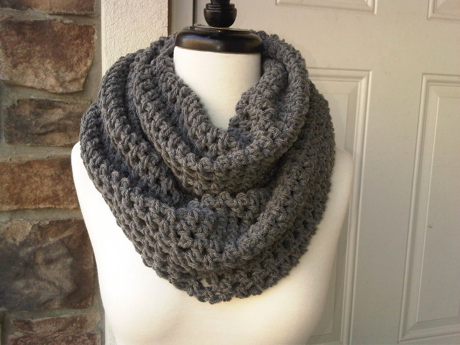 Circle Scarf Knitting Patterns : CROCHET CIRCLE SCARF How To Crochet