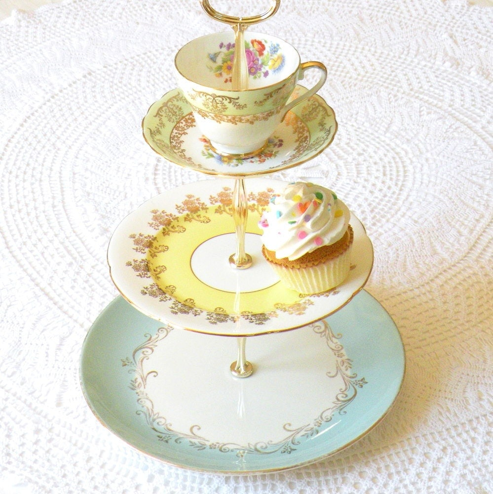 Diy 3 Tier Jewelry Stand: Up In The Clouds: DIY Inspiration: 3-tier Cupcake Stand