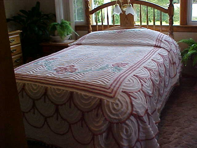 50 s Chenille Bedspread wedding cake pattern 88X100 From designer2
