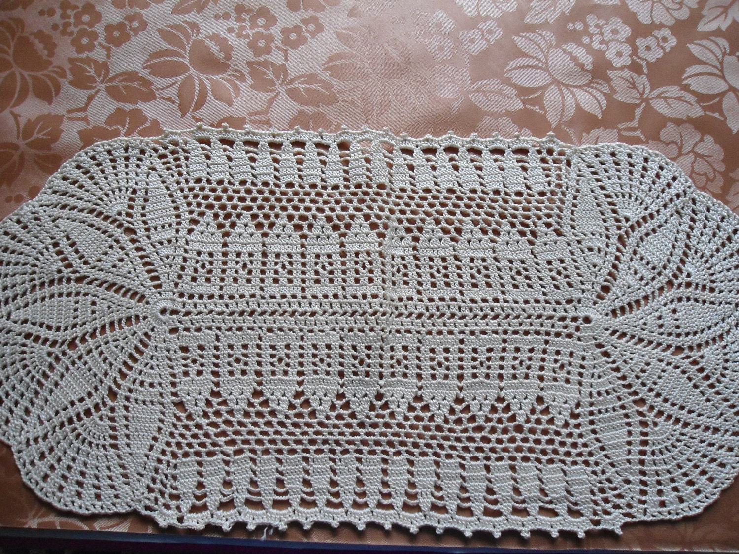 Free Easy Crochet Tablecloth Patterns For Beginners : OVAL CROCHET DOILY ? Crochet For Beginners