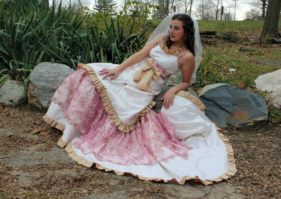 Joy 39 s blog raj tents on david tutera 39s my fair wedding for Country western wedding dresses